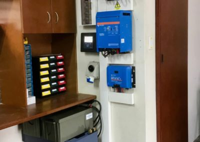 2x 3KVA Victron Inverters & Victron battery bank